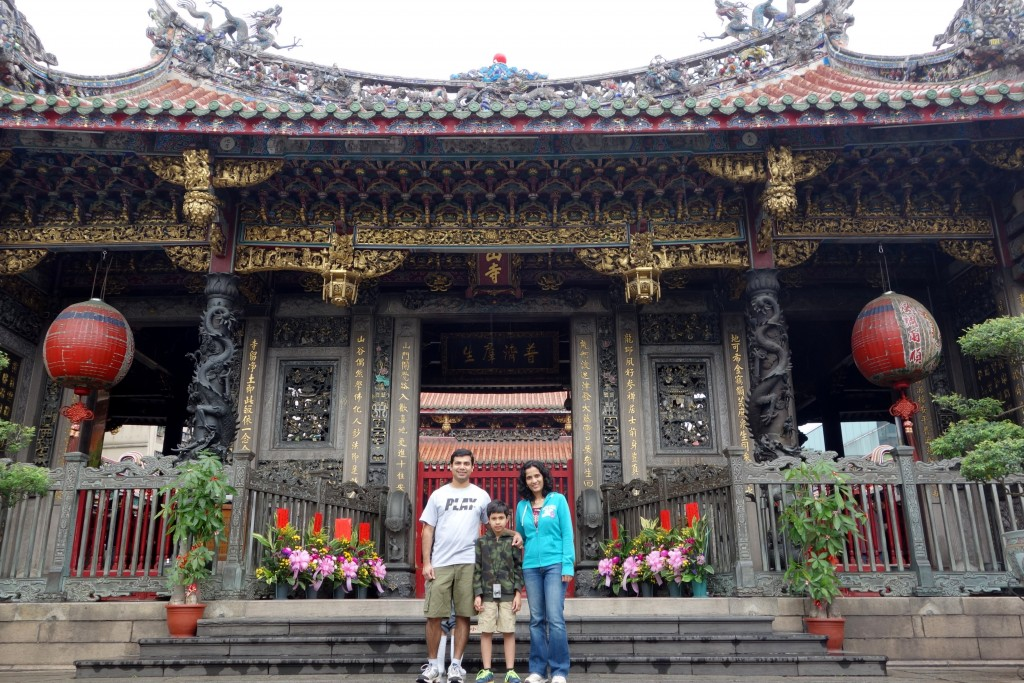 Mengjia Longshan Temple—oldest temple in Taipei; originally built in 1738, it has been rebuilt and renovated several times due to its destruction in earthquakes, fires and wars